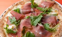 イタリアパルマ産生ハムとルーコラのピッツァセット