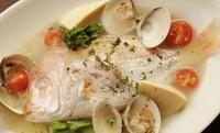 本日鮮魚と殻付アサリと野菜のアクアパッツァ